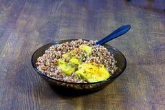 Faixa da galinha com cereal Imagem de Stock