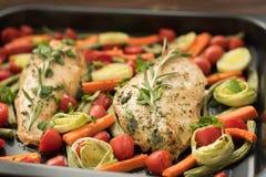 Faixa da galinha com purret e aspargo Fotografia de Stock