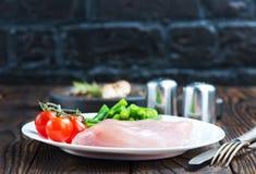 Faixa da galinha com vegetais Fotos de Stock