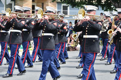 Faixa da reserva das forças marinhas do USMC que joga na parada imagem de stock royalty free