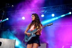 Faixa de Hinds no concerto no festival FIB Fotos de Stock