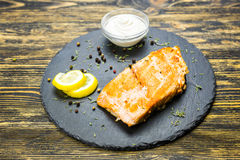 Faixa de peixes grelhada Imagens de Stock