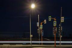 Faixa de travessia em uma estrada do subúrbio, Norilsk imagem de stock