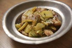 Faixa de Zander servida com batatas frescas Imagem de Stock Royalty Free