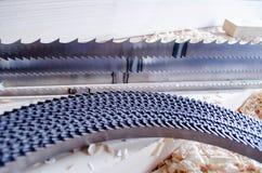 a faixa do Fino-corte viu para a indústria do woodworking Máquina ferramenta automáticas do CNC imagem de stock