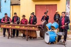 Faixa do Marimba na rua, Guatemala Fotos de Stock