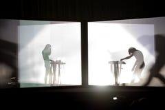 A faixa eletrônica de Nonotak executa em um concerto no festival da sonar fotos de stock