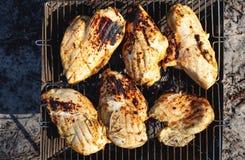 Faixa grelhada da galinha imagens de stock