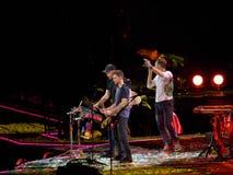 Faixa mundialmente famosa Coldplay no concerto Imagem de Stock Royalty Free