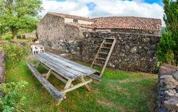 Fajã som är stor på ön av Flores i Azoresna, Portugal Fotografering för Bildbyråer