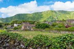 Fajã som är stor på ön av Flores i Azoresna, Portugal Royaltyfria Foton