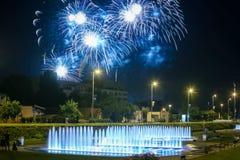 Fajerwerków above - wodna fontanna Fotografia Royalty Free