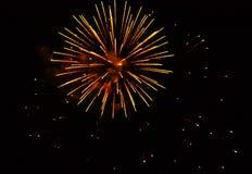 Fajerwerki: czerwień, złota Fotografia Royalty Free