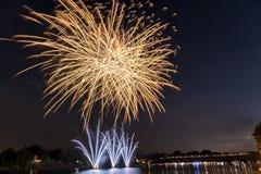 Fajerwerki na rzece w lato wieczór Obraz Royalty Free