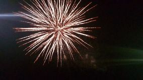 Fajerwerki przy Noc obrazy royalty free