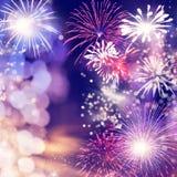 Fajerwerki przy nowego roku i kopii przestrzeni? - abstrakcjonistyczny wakacyjny t?o obrazy stock