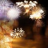 Fajerwerki przy nowego roku i kopii przestrzeni? - abstrakcjonistyczny wakacyjny t?o obraz stock