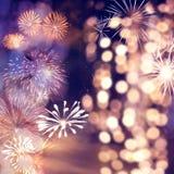 Fajerwerki przy nowego roku i kopii przestrzeni? - abstrakcjonistyczny wakacyjny t?o obraz royalty free