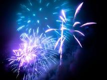 fajerwerki w jakaś Europejskim mieście przy nowy rok wigilią Obraz Stock
