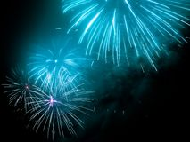 fajerwerki w jakaś Europejskim mieście przy nowy rok wigilią Obraz Royalty Free