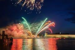 Fajerwerki w Novgorod Kremlin na świętowaniu pierwszy Rosyjscy Hanzeatyccy dni obraz stock