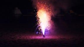 Fajerwerku przyjęcie na plaży przy nocą zbiory