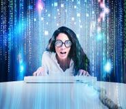 Fajtłapy i hackera kobieta Obrazy Royalty Free
