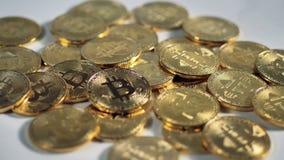 Faktiskt internetCryptocurrency begrepp Närbildmakrosikt på Bitcoin arkivfilmer