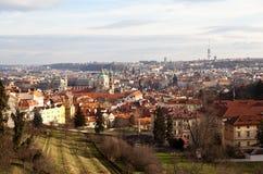 Faktiskt turnera av Prague för republiktown för cesky tjeckisk krumlov medeltida gammal sikt Arkivfoton