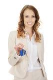 faktorska tła nieruchomości ostrość daje wręczający dom odizolowywał klucze nowych nad właściciela istnym pośrednik handlu nieruc Fotografia Royalty Free