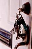 faktorskiej tła nieruchomości ostrości gviving dom odizolowywał kluczy nowego właściciela istnego pośrednik handlu nieruchomościa Obrazy Royalty Free