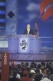 Fakturera Bennett, tidigare U S Sekreteraren av utbildning, talar på den 1996 republikanska nationella regeln i San Diego, Kalifo Royaltyfri Bild
