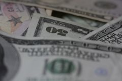 fakturerar dollar femtio royaltyfri bild