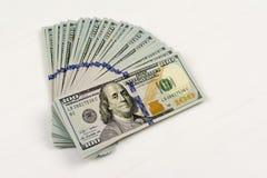 fakturerar dollar hundra en white royaltyfria bilder