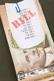 fakturerar kanadensiska dollar royaltyfria bilder
