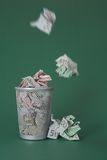 fakturerar slösade europengar Arkivbild