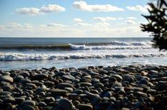 Fala łama dobrze z surfingowa brukowa przedpola bohkeh Obraz Royalty Free