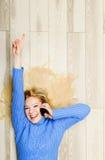 Fala da mulher nova Fotografia de Stock Royalty Free