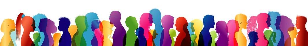 Fala da multidão Fala do grupo de pessoas fale Para comunicar-se Perfis coloridos da silhueta ilustração royalty free