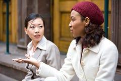 Fala das mulheres de negócio Fotos de Stock