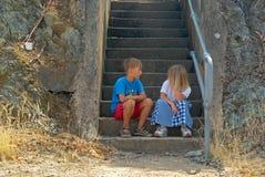 Fala do irmão e da irmã Fotografia de Stock