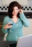 Fala em um telemóvel imagens de stock royalty free