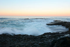 Fala i rafa przy plażą Fotografia Stock