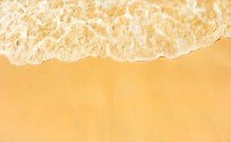 Fala morze na piasek plaży Obrazy Royalty Free