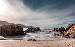 Fala myje na Ostriconi wyrzucać na brzeg w Balagne regionie Corsica Fotografia Royalty Free