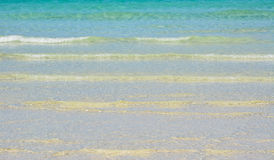 Fala na brzeg magistrala wyrzucać na brzeg w Boracay zdjęcia royalty free