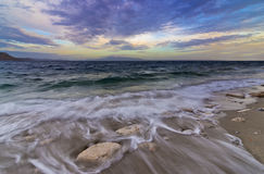 Fala na skalistym seashore, Kalymnos wyspa Fotografia Royalty Free