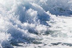 Fala promu statek na otwartym oceanie Zdjęcie Royalty Free
