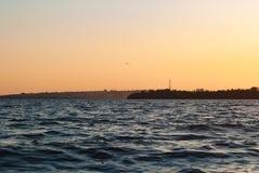 Fala przy zmierzchem, Zaporoska rzeka, rzeka krajobraz, fotografia royalty free