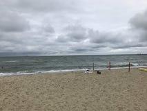 Fala rozbija w piasek Zdjęcia Royalty Free